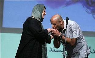 امیر جعفری دست همسرش را بوسید! + عکس|www.rahafun.com