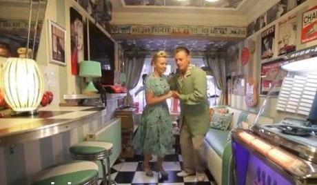 روش عجیب و جالب برای نجات زندگی یک زوج جوان