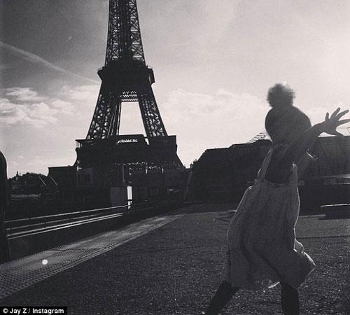 عکس های جدید بیانسه و جی زی و دخترشان در پاریس