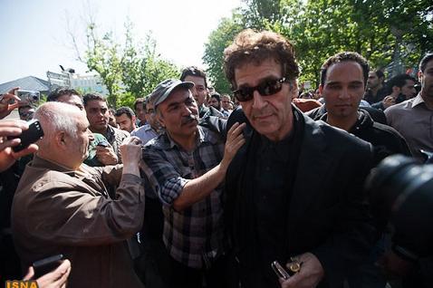 عکس ابولفضل پورعرب در مراسم خاکسپاری عسل بدیعی