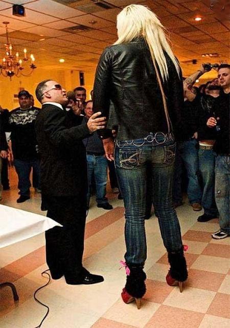 241 1 عکس بلندترین دخترهای جهان