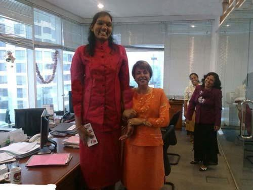 241 4 عکس بلندترین دخترهای جهان