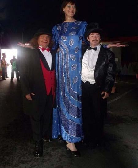 241 7 عکس بلندترین دخترهای جهان