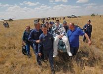 حال فضانوردان پس از فرود به زمین + تصویر|www.rahafun.com