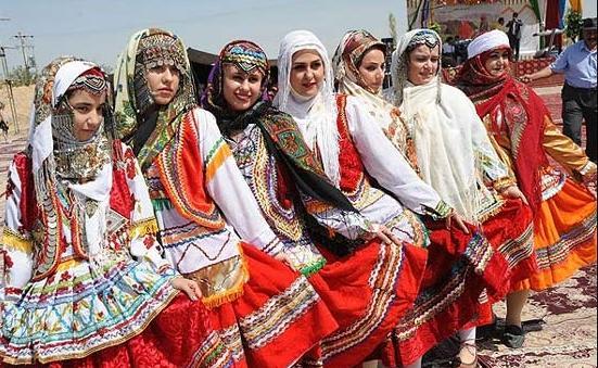 رقص دختــــران ایرانی در عروسی محلى|www.rahafun.com