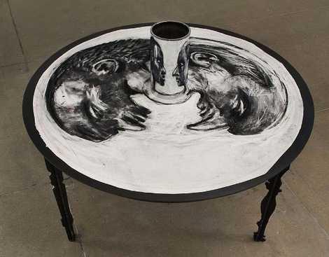 نقاشی هایی جالب که برای دیدن آن به آینه محدب احتیاج دارید
