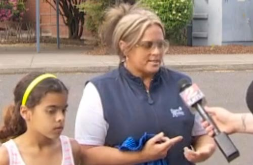 دختری که به علت تدریس عجیب معلمش خودش را خیس کرد