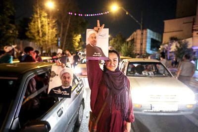 92 03 a879 عکس های شادی طرفداران دکتر روحانی