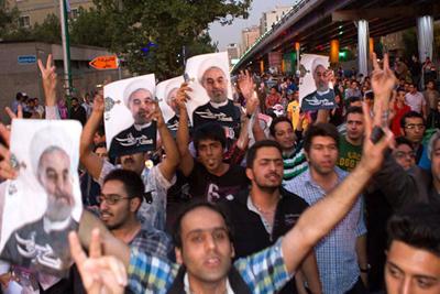عکس های طرفداران و شادی دکتر روحانی