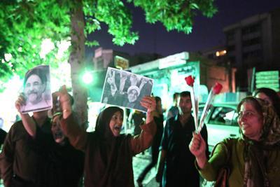 92 03 a883 عکس های شادی طرفداران دکتر روحانی