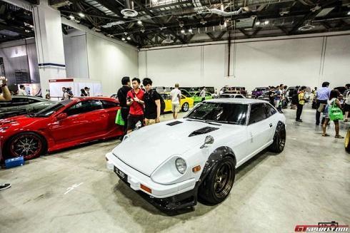 عکس نمایشگاه ماشین های اسپرت