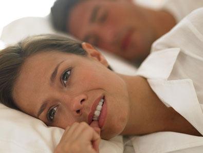 علت خارش  و سوزش آلت تناسلی زنانه چیست ؟
