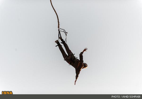 زنان ایرانی که در هوا معلق می شوند! + عکس|www.rahafun.com