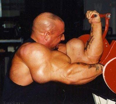 عکس بزرگترین بازوهای بدنسازی جهان
