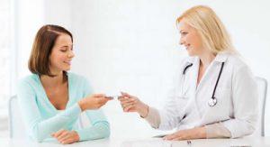 آیا میتوان سوزش ادرار خانم ها را با روش خانگی درمان کرد