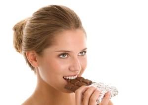 شکلات و فواید بی نظیر آن برای خانم ها
