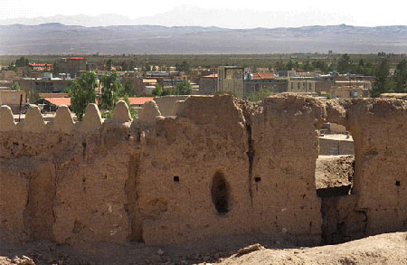ارگ انار بنای تاریخی و قدیمی در کرمان