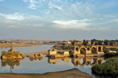 قدیمی ترین پل جهان پل شادروان شوشتر