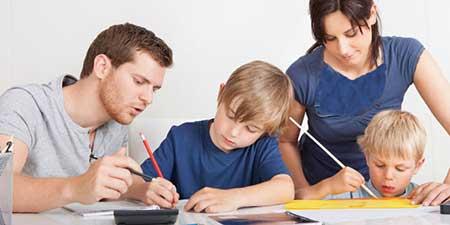 چگونه میتوانیم فرزندانمان را به درس خواندن علاقهمند کنیم؟