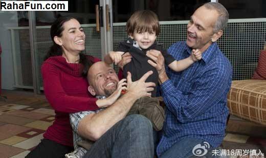 تصاویر عجیب زندگی همزمان زنی با دو شوهر