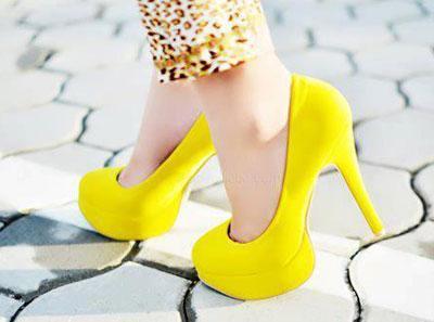 آموزش راه رفتن با کفش پاشنه بلند