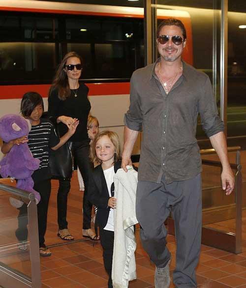 تصاویر آنجلینا جولی به همراه خانواده در ژاپن,عکس های جدید آنجلینا جولی