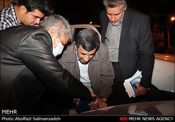 عکس های داغ از استقبال همسایه های احمدی نژاد,تصاویر جنجالی احمدی نژاد