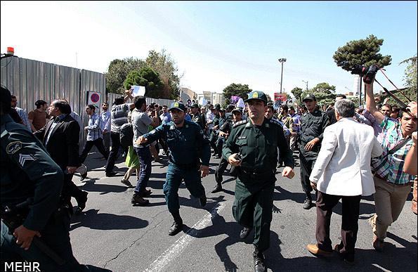 عکس های استقبال جنجالی بازگشت روحانی از نیویورک