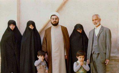 عکس کمیاب روحانی به همراه خانواده