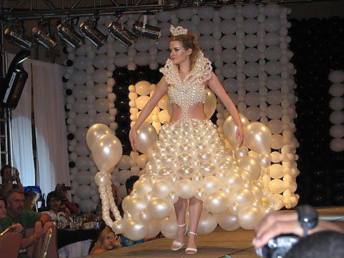 لباس خفن این زن چیه ؟ عکس جالب
