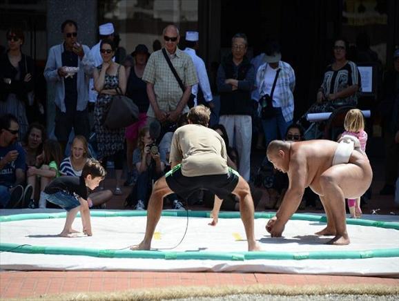 rahafun.com sumo tournament 19 عکس های جالب کشتی سومو Sumo
