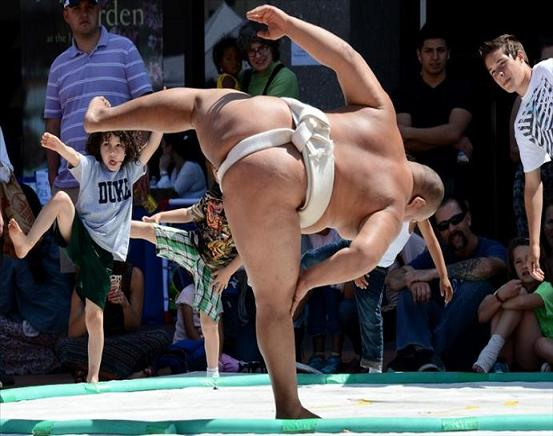 rahafun.com sumo tournament 22 عکس های جالب کشتی سومو Sumo