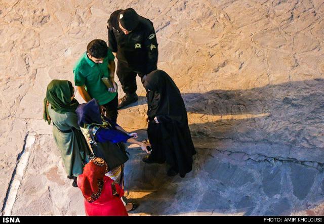 rahafun.com tasavir gshte ershad 18 عکس برخورد با بد حجابی در کنسرت مازیار فلاحی