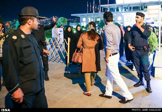 rahafun.com tasavir gshte ershad 25 عکس برخورد با بد حجابی در کنسرت مازیار فلاحی