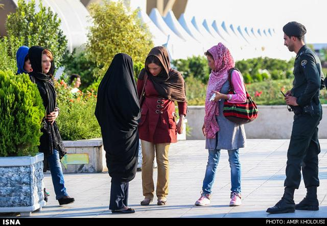 rahafun.com tasavir gshte ershad عکس برخورد با بد حجابی در کنسرت مازیار فلاحی
