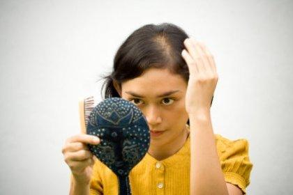 نقش ویتامین E در رشد مو