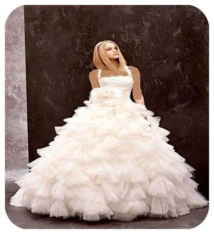 آموزش انتخاب لباس عروس برای دختر خانم ها