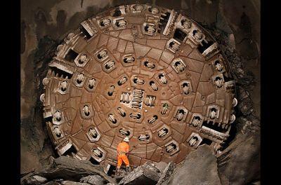 حفر طولانی ترین تونل دنیا