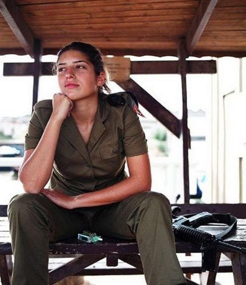 عکس دختران سرباز