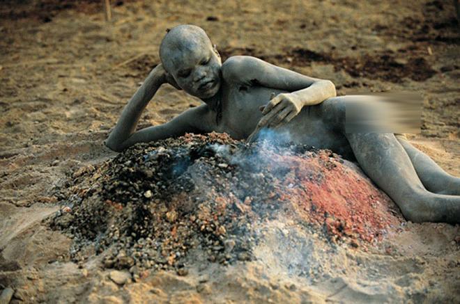 عکس های زندگی روزمره یکی از قبایل آفریقایی