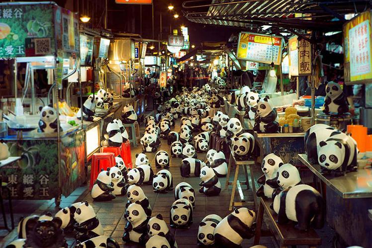 www.rahafun.com-paper-mache-panda-tour-paulo-grangeon-11 (6)
