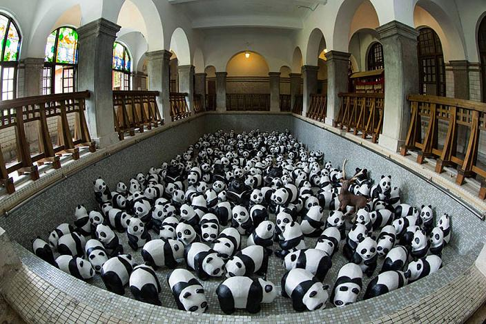 www.rahafun.com-paper-mache-panda-tour-paulo-grangeon-11 (9)